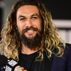 Analizamos el look de Jason Momoa